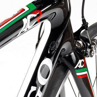 Colnago AC-R 105 カーボンロードバイク (2016)が40%OFFか。。。